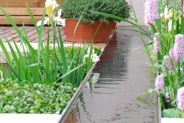 adam-frost-chelsea-2008-garden-water