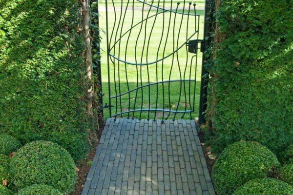 adam-frost-garden-design-gate-rutland