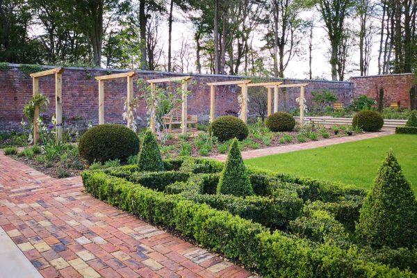 adam-frost-garden-design-lancashire-archways